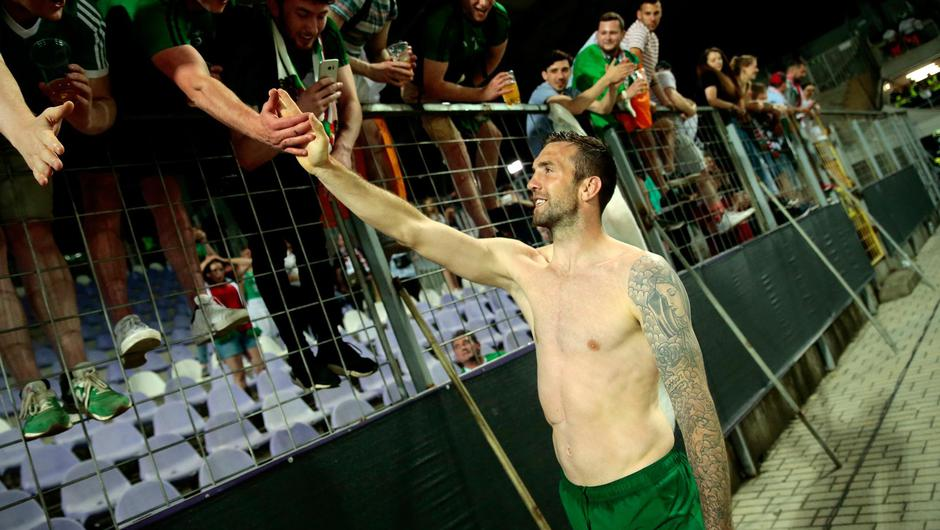 Shane Duffy greets Ireland fans in Hungary