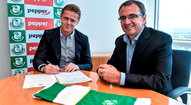 Damien Duff with manager Pat Fenlon when he signed for Shamrock Rovers back in July