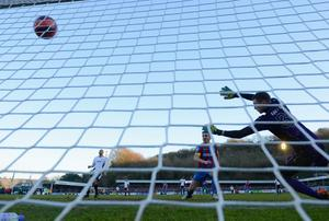 Kevin Doyle of Palace scores to make it 4-0 during the FA Cup Third Round match between Dover Athletic and Crystal Palace