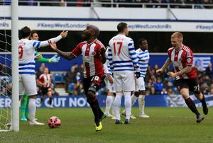 Sheffield United's Jamal Campbell-Ryce (centre) celebrates scoring his sides second goal of the game against Queens Park Rangers during the FA Cup, Third Round match at Loftus Road, London