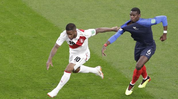Jefferson Farfan (left) has had his World Cup ended by injury (Mark Baker/AP)