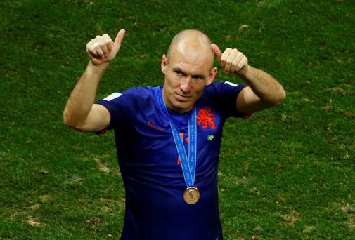 Arjen Robben has rejected an offer from from Louis van Gaal to join him at Manchester United
