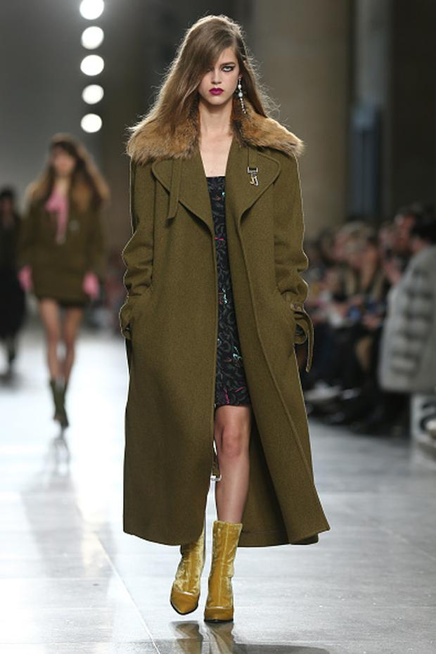 Army surplus style gets a 2016 makeover. Photo: JUSTIN TALLIS/AFP/Getty Images). Topshop Unique AW16.