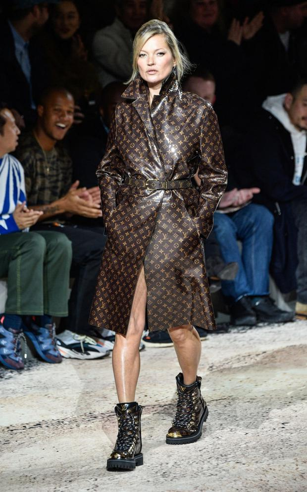 Kate Moss closing the Louis Vuitton men's autumn-winter collection