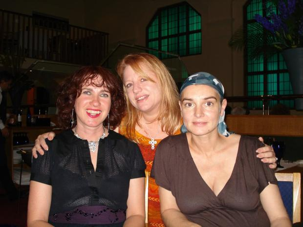 Victoria with the writer Kathleen McGowan and singer Sinead O'Connor at The Clarence hotel, Dublin in 2007
