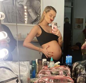 Laura Whitmore is expecting her baby early this year. Photo by: Laura Whitmore/ Instagram