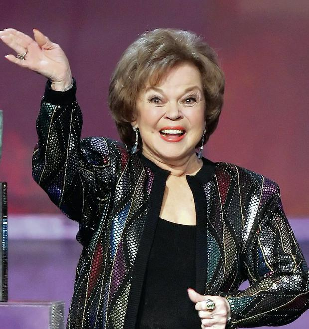 Shirley Temple Black accepting the Screen Actors' Guild Awards life achievement award in 2006