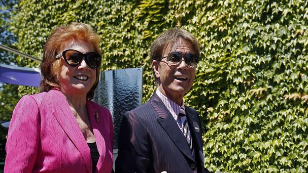 Cilla Black has rallied to the defence of fellow showbiz veteran Sir Cliff Richard