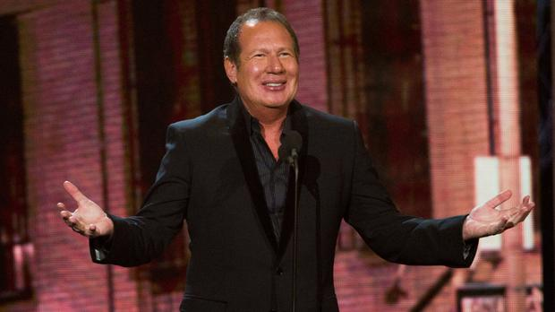 Garry Shandling holds court at the The Comedy Awards in New York (AP)