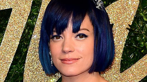 Lily Allen has accused the police of