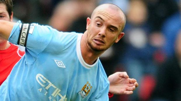Premiership player Stephen Ireland shattered his left tibula and fibula in training two weeks before he was due to marry