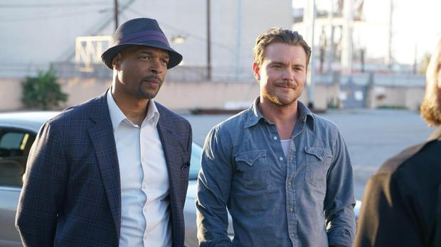 Roger Murtaugh (played by Damon Wayans, left) and Martin Riggs (played by Clayne Crawford) in Lethal Weapon's new TV reboot