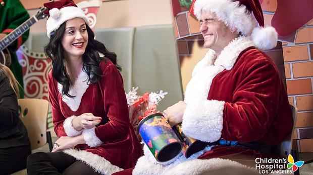 Katy Perry and Orlando Bloom, who brought some Christmas cheer to those at the Children's Hospital Los Angeles (Children's Hospital Los Angeles/PA)