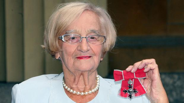 Liz Smith with her MBE for services to drama