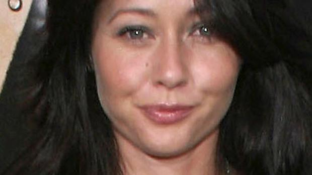 Former Beverly Hills, 90210 star Shannen Doherty has been documenting her fight with cancer on social media.
