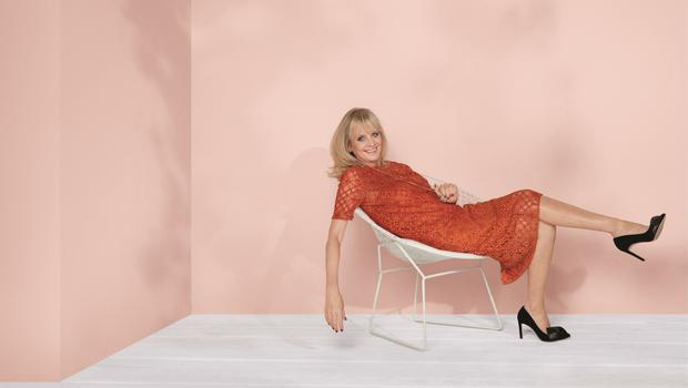 Twiggy in bronze lace