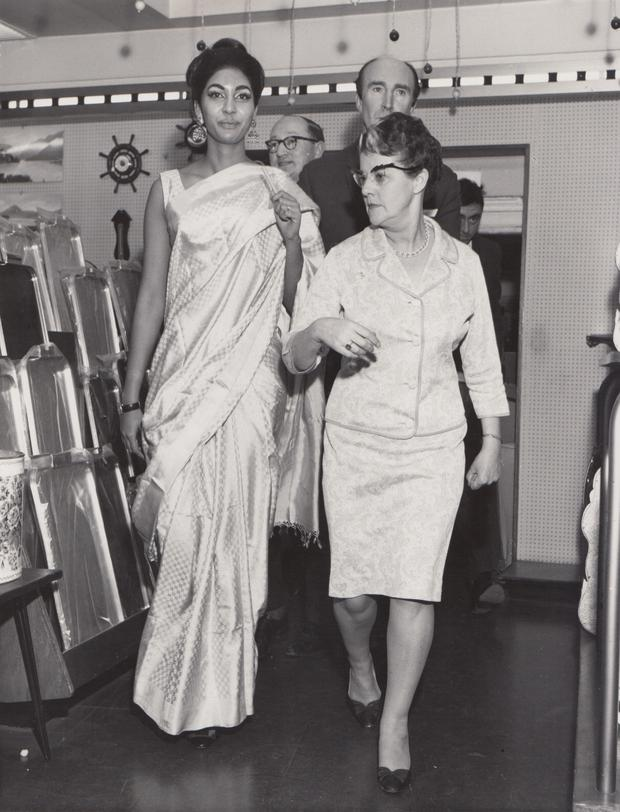 Miss World, Reita Faria visiting the store in 1967