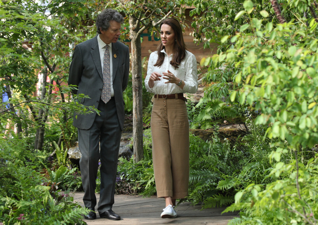 Kate having fun with casual wear at the Chelsea Flower Show. Photo: Getty Images