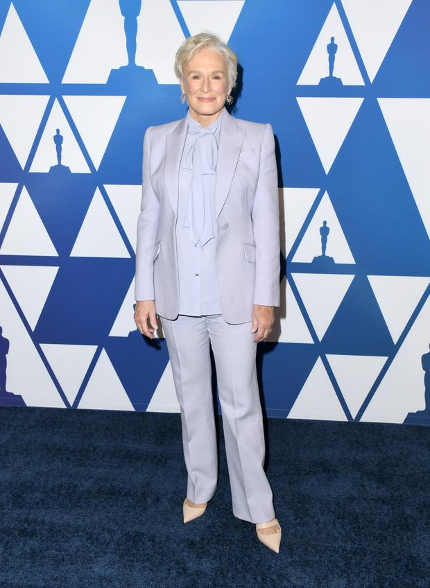de5a3ab65ea3 Glenn Close s Alexander McQueen suit was one of her strongest outfits in a  long Oscar season