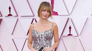 Margot Robbie in floral Chanel at the 93rd Annual Academy Awards at on April 25, 2021 in Los Angeles, California. (Photo by Chris Pizzello-Pool/Getty Images)