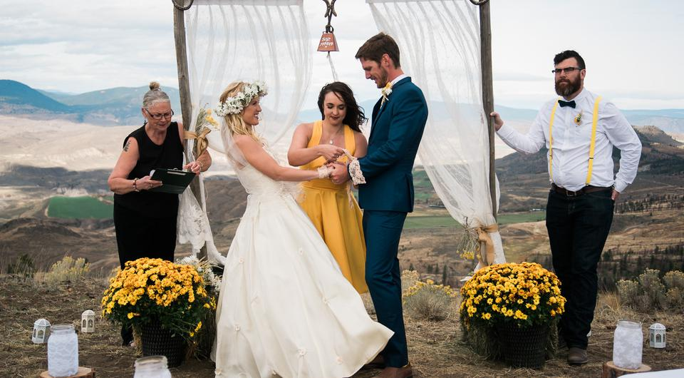 Real Irish Weddings Inside Eoin And Andreas Amazing Wild West Ceremony
