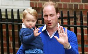 Britain's Prince William returns with his son George to the Lindo Wing of St Mary's Hospital, after the birth of his daughter in London, Britain May 2, 2015. Britain's Duchess of Cambridge, has given birth to a daughter, the couple's residence Kensington Palace announced on Saturday.    REUTERS/Cathal McNaughton