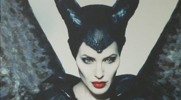 Angelina Jolie gets a surprise on Maleficent tour.mp4 (Generated thumbnail)