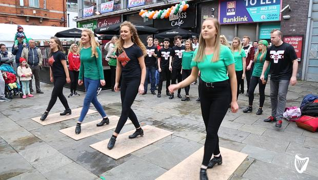 Watch Irish Dancers Stole The Show In Temple Bar As Thousands Celebrate St Patrick S Day