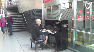 WATCH: Musician wows Cork Airport with his incredible piano skills