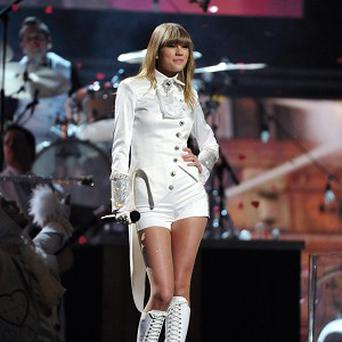 Taylor Swift opened the Grammys with her hit song