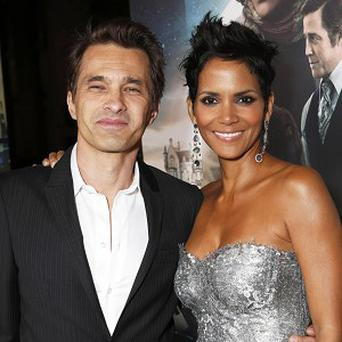 Halle Berry and Olivier Martinez are reportedly expecting a baby boy