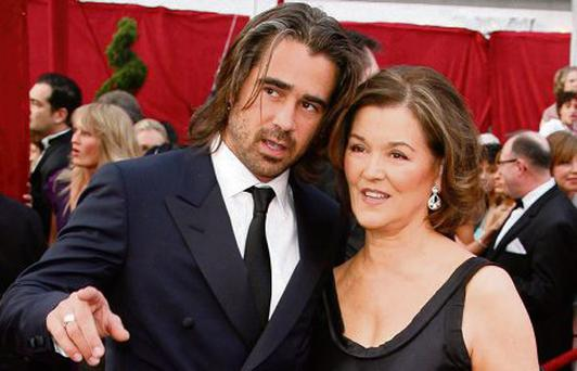 Irish actor Colin Farrell and his mother Rita Farrell pose at the 80th annual Academy Awards in Hollywood...Irish actor Colin Farrell and his mother Rita Farrell pose at the 80th annual Academy Awards, the Oscars, in Hollywood, February 24, 2008. REUTERS/Lucas Jackson (UNITED STATES-OSCARS)...E
