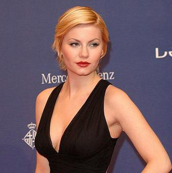 Elisha Cuthbert has got married to ice hockey player Dion Phaneuf