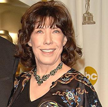 Lily Tomlin joked she may wed in fancy dress