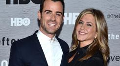 Justin Theroux gets all lovey-dovey with Jennifer Aniston