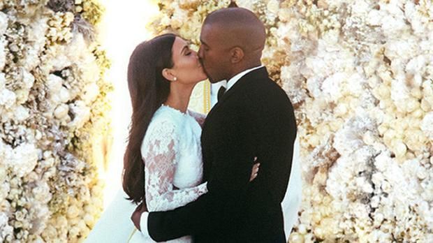 Kanye West has talked about his wedding to Kim Kardashian (E!)