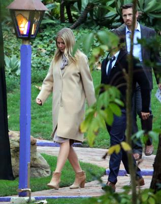 Gwyneth Paltrow arriving at the ceremony for Carrie Fisher and Debbie Reynolds. Photo: AP