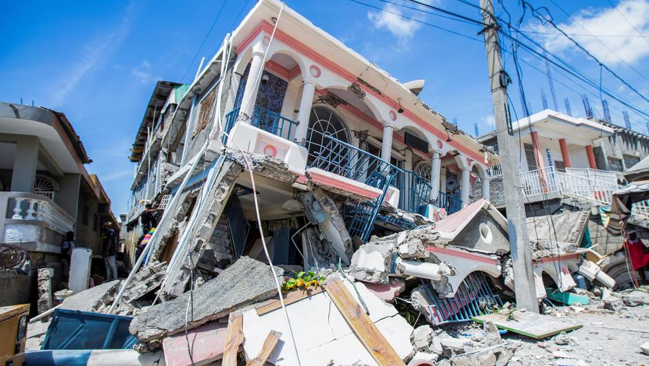 A view shows houses destroyed following a 7.2 magnitude earthquake in Les Cayes, Haiti (Photo: REUTERS/Ralph Tedy Erol)