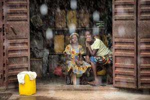 Families all over Sierra Leone are preparing as best they can for a three-day Government-enforced lockdown. Photo: Mark Condren