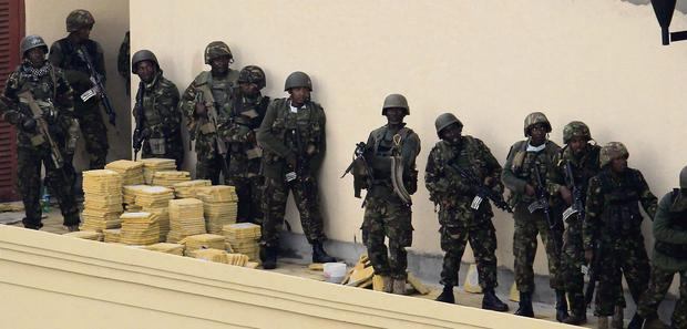 Kenyan Defence Force soldiers at the Westgate shopping centre on the fourth day