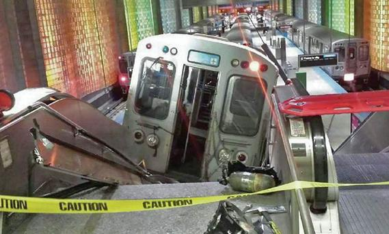 The scene where the train derailed at Chicago's O'Hare International Airport.