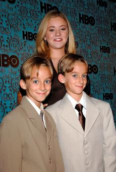 Madylin Sweeten with brothers Sawyer Sweeten left, and Sullivan Sweeten of Everyone Loves Raymond in 2005