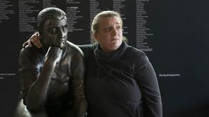 Daisy May and the Kerry Mucklowe statue (BBC/PA)