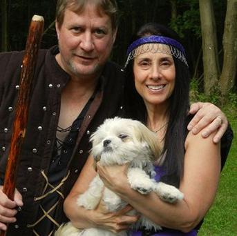 Robin Hood fans Debbie Tencza and husband Joe are to renew their wedding vows