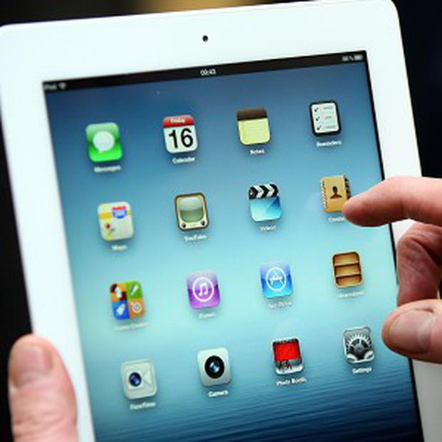 Apple is to send vehicles through the streets of Dublin and Cork in a new bid to boost its Maps service.