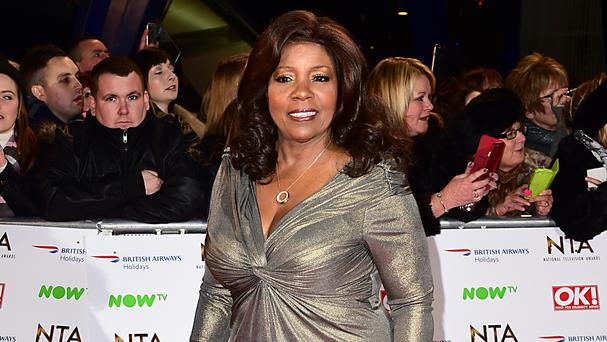 Gloria Gaynor has praised a Glasgow policeman who sang I Will Survive on a pub karaoke machine