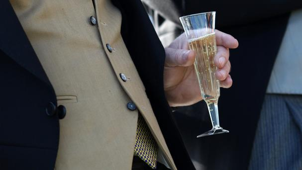 Britons drank 31.6 million gallons of sparkling wine in 2015/16