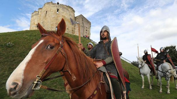 Re-enactors set off on a 300-mile march to Hastings from Clifford's Tower in York
