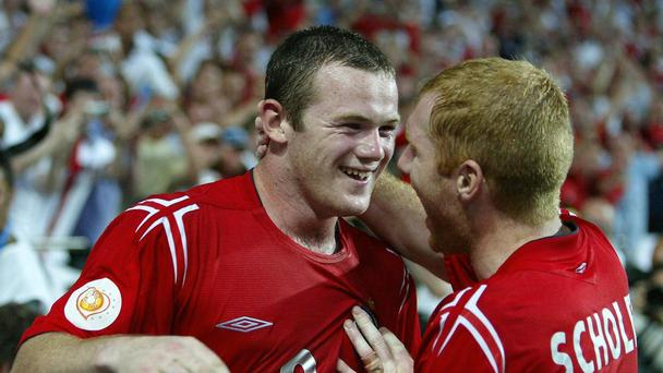 England's Wayne Rooney and Paul Scholes at Euro 2004