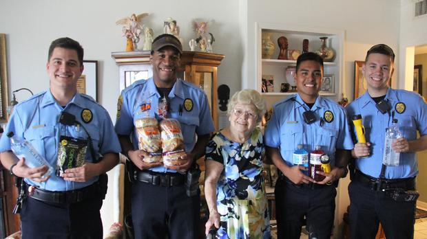 Betty with her new police officer friends (Clearwater Police Department/PA)